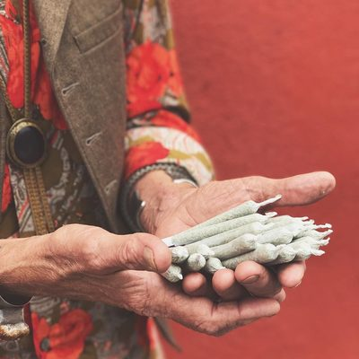 Meet Peter! @Rose_Collective420's Master Roller who twists up about 100 joints per day!  _____ Click the link in our bio to learn why a joint is his favourite method of consumption and for more details on our #BeachCleanUp with Rose Collective this Sunday in #Venice,CA! #VeniceBeach