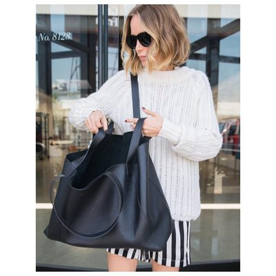 I can pretty much carry my whole life in this one bag❥ Perfect everyday bag for the busy woman on the go💥💥💥 #aninebingbag #aninebingtote