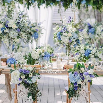 @iamflower.co has this wedding enchanted with their opulent floral designs! Planning & Design: @onlyminewedding | Photo: @darinimages . . . #weddingbells #floraldesign #flowers #roses #dreamwedding #weddingflorals #futuremrs #instawow #weddingfashion #eventdesign #livecolorfully #rose #blue #somethingblue #luxurywedding #weddinginspiration #gettingmarried #bridetobe #love #ido #weddingdecor #swpartners #StrictlyWeddings