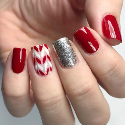 Festive knit! This knit pattern is on sale right now! Head to the link in my bio to see more nail stencils that are waiting to be used in your next manicure 💅🏻 . . . #nailvinyls #nailstencils #nails #nailart #nailsofinstagram #nailpolish #nailblogger #nailedit #polish #glitternails #christmasnails #holidaynails #sweaternails #winternails #ottawa #orly #essie