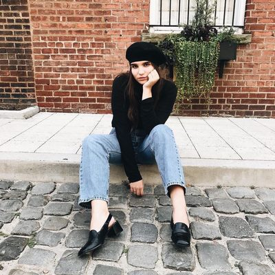 Okay, so if you haven't noticed, we have a thing for berets. Still not convinced you can pull one off? Check out our Instagram Stories to learn our community's best tips on trying this French-inspired trend once and for all. | photo: @jillruder