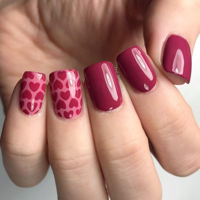 We are going to go to @mosaivernales this afternoon! Quickly did some pink heart nails - these would be perfect for valentines! . . . #valentinesnails #pinknails #nailart #nailvinyls #valentines #nails #nails2inspire #nailsofinstagram #opi
