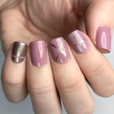 I did these a few weeks ago and forgot to post them! Inspired by @mrs_brooke 💕 Used the Straight Pattern stencils for this look! . . . #pinknails #nailvinyls #nailart #nails #nails2inspire #nailsofinstagram #naildesign #rosegoldnails