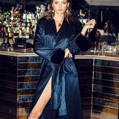 How to look chic and stylish at home and around town? @cinqueworld navy midnight robe coat is the answer! Link in bio