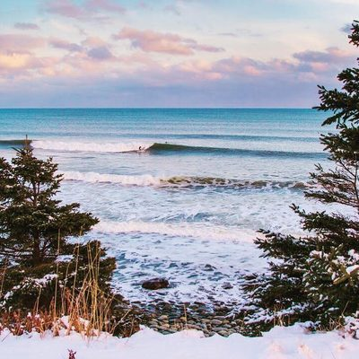 Our beaches are dreamy no matter the season 💭 . → Go to the link in our bio and TAP this image to discover HALIFAX'S TOP 10 BEACHES and 5 REASONS TO GIVE WINTER SURFING A CHANCE IN HALIFAX 📷: @acorn_art_photography