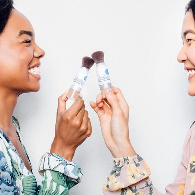 Our feelings about the super soft removable (aka easy cleaning) brush we created for Invincible Setting Powder: 😍 #powderroomplease #powderon