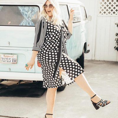 Style School 101: Mix up your look like @alexmichaelmay with our Tie Waist Dress—it does all the print mixing heavy lifting of to keep the look simultaneously retro and modern 📓 Top it off with a pair of our new Jules Sandals and you're ready to go #XOQ
