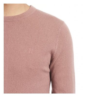 Our Cashmerino Knitwear in soft, blushed pink. This piece is made from a mixture of cashmere and merino wool, using a special knitting technique which supports Les Deux's main focus points- durability, comfort and of course, style  #stylishmen #mensknitwear #mensfashion