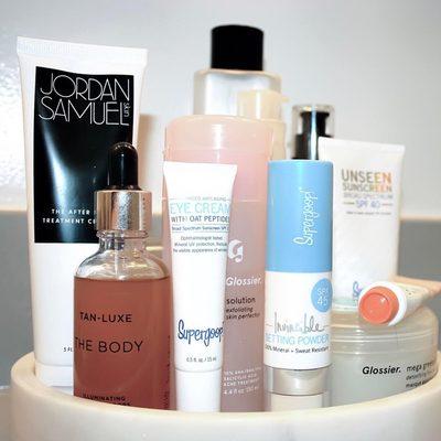 100% Mineral Invincible Setting Powder, part of a balanced beauty routine. #powderon #powderroomplease @ferrisbeauty