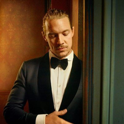 @diplo inside the 2018 #VFOscars @Instagram portrait studio. See even more exclusive portraits at the link in bio. Photograph by @MarkSeliger.