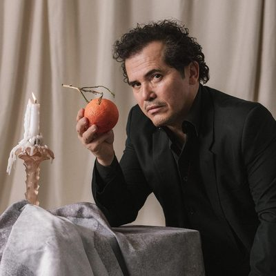 Where are all the Latin people in Hollywood? It's Oscar night, and do you know how many Latin Americans are nominated? Three. You know how many of them are actors? Zero. John Leguizamo has been asking these questions and pointing out these numbers for two and a half decades. In a wide-ranging interview, he talked to GQ about getting angry, getting your history right, and getting all the latinx representation we deserve - more at the link in bio. (📷 @quesofrito)