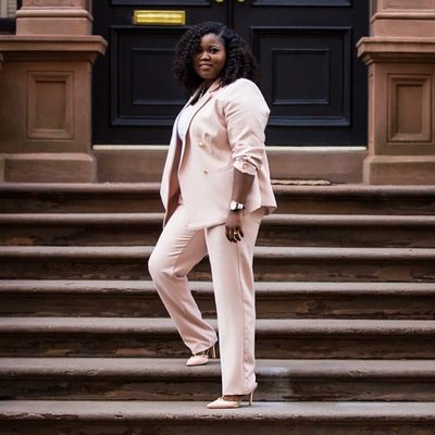 How incredible does @iamplusblog look in head to toe pink?! ✨ Get her (pearl embellished) suit at the link in bio ⤴ #XOQ