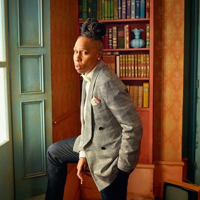 @LenaWaithe inside the 2018 #VFOscars @Instagram portrait studio. See even more exclusive portraits at the link in bio. Photograph by @MarkSeliger.