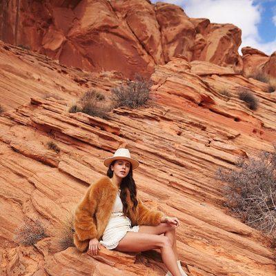 natural beauty 💫 @maryleest wearing @loversfriendsla Oscar skirt #revolvearoundtheworld