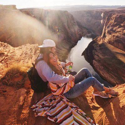 sundays are for lovers ❤️ @rocky_barnes @matt_coop #revolvearoundtheworld