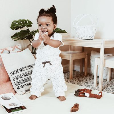 Having so much fun with her Finn+Emma's outfit and toys 💕 thank you @bohomomtog for shared this moment with us! #finnandemma #organicbaby