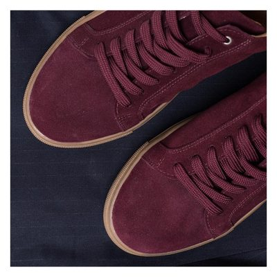 The Hamilton shoe – named after the founder Andreas' first son. Made in different colours, but this season we will be rocking the burgundy. #lesdeux #lesdeuxcopenhagen #mensshoes #burgundyshoes