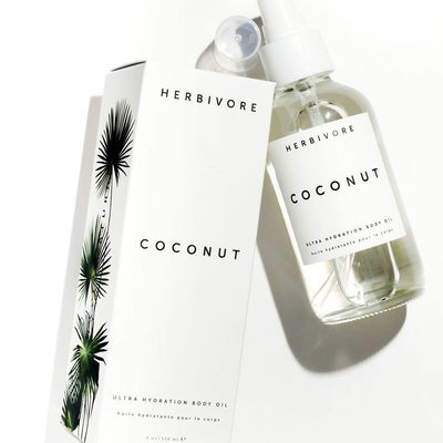 Coconut Body Oil is now available on our website! 🙌 Get your body ready for summer with this perfect light and ultra-nourishing body oil that smells heavenly, whisking you away to the tropics with a single drop. 🥥🌴✨ #coconutbodyoil
