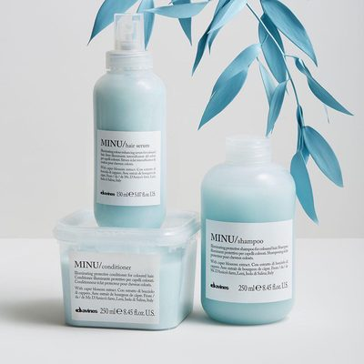 Don't let your fresh dye job get washed down the drain 😱@Davinesnorthamerica's MINU shampoo, conditioner, and serum for color-treated hair helps keep your color vibrant for longer thanks to its eco-friendly formulas made with protective caper blossom extract. Plus, they've garnered a combined 25,000 reviews in our Shop...so you know it's good. #sustainablebeautymonth