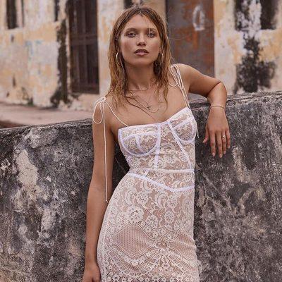 Vintage feels & sex appeal 🕊  The Tati Lace Corset Dress