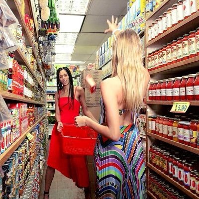 Saturdays are for grocery shopping with the gals in gowns 🍌🥓🍫 #weekend #spring18 #babesbeingbabes