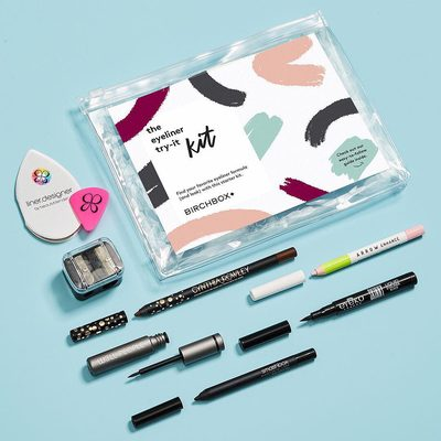 This is one killer lineup! Our new Eyeliner Try-It Kit is packed with pencil, gel, and liquid liners, along with tools to help you apply them with ease—PLUS a super helpful guide so you can discover the formula (and look) you love. Click the 🔗 in our bio to Shop!