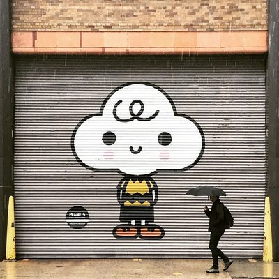 ICYMI: Peanuts murals have popped up throughout NYC. Check the link in our bio to see more of the artwork! (📷 @chowh007) #snoopyglobalart