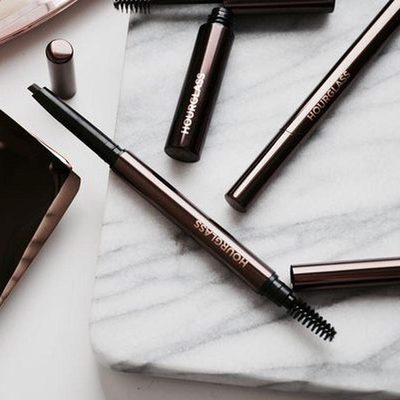 Getting ready for a night out? Our #ArchBrow Sculpting Pencil is a must-have to achieve naturally fuller and defined brows that lasts for hours. Tap to shop the 9 available shades. #crueltyfree #hourglasscosmetics #regram @makeupsessions