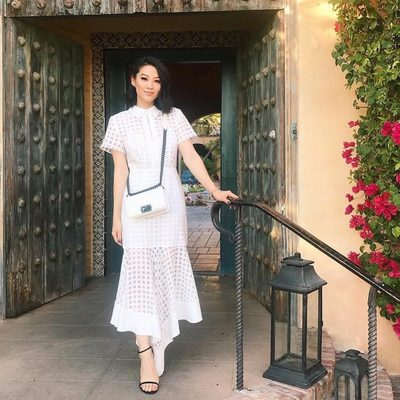 PERFECT SPRING DRESS? ✔️ @arden_cho in the MILLY Illusion Check Adeline Dress 💖 Shop dress through link in bio!#spring18 #millymoment #powertotheflower