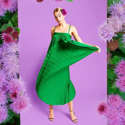SHE'S BACK!! Irene is back in town and waiting for you 💚 Shop the newly back in stock Irene dress through link in bio! #backinstock #getitwhileyoucan #emerald #pleats