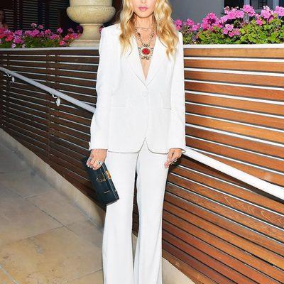 Glamorous LA nights call for my latest obsession..a white sequin @shoprachelzoe tuxedo ✨#sequinsmakemesmile #glamourforever #sequinseason XoRZ 💕 Link in bio to shop