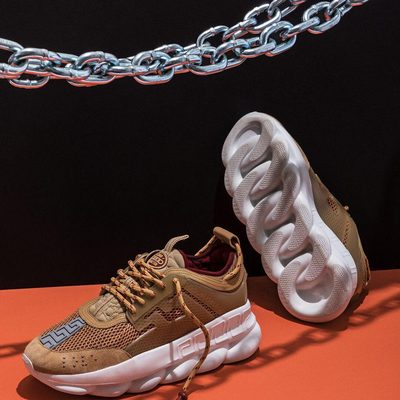 The @versace Chain Reaction isn't just one of the wildest sneakers of 2018, it's also the most interesting things to come out of Donatella's House of Extra, well, ever. With airy mesh and nubby suede and expensive-smelling leather layered like a goddamn taramisu in the upper and a Stay-Puft outsole resembling a Cuban link chain, it's an obvious choice for #SneakeroftheWeek. More at the link in bio. (📷 @mattymarty)