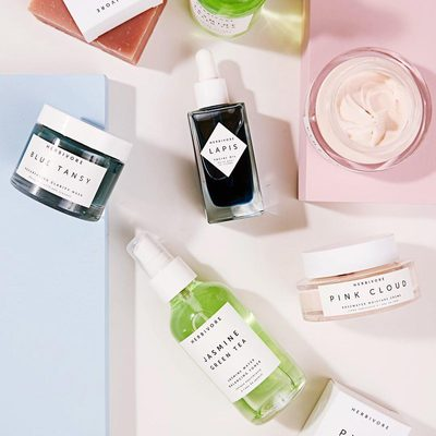 Have you ever wanted an Herbivore facial? Now is your chance! Visit a @Credobeauty store to schedule a 30 minute Herbivore Facial for $30. ✨💆✨Credo's Clean Beauty Experts will introduce your skin to a range of Herbivore products to detoxify, resurface, and plump through cleansing, masking, & facial massage. Bonus! Purchase two or more Herbivore products after your facial, and you'll receive a complimentary mini Rose Hibiscus Mist or mini Jasmine Green Tea Toner. 💚💖Go to @credobeauty's profile link to see list of stores. Goes until July 16th.😘#credominifacial #herbivorebotanicals