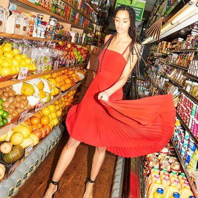 """""""SAL, WE'VE GOT A TOTAL BABE ALERT IN AISLE 1"""" ❤️ Link to dress in bio! #pleat  #powertotheflower #millymoment #babealert"""
