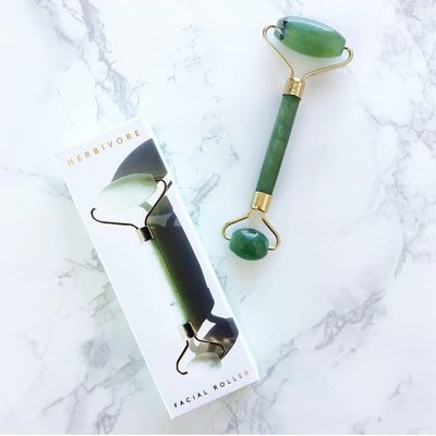 Look who's back in stock! 👀it's the Jade Roller💚👏photo by @ivysavanah #jaderoller