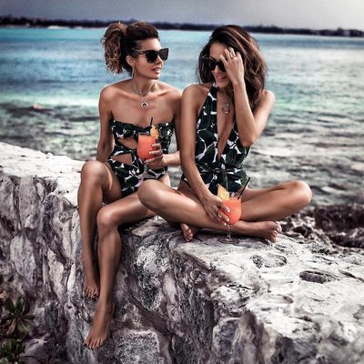 BANANA LEAF BAHAMAS MAMMAS 🌴 Best buds @fashionedchicstyling & @lucyswhims rockin' our fav #spring18 swim print! Shop link in bio 💚 #tropicalprint #millydoesthebahamas