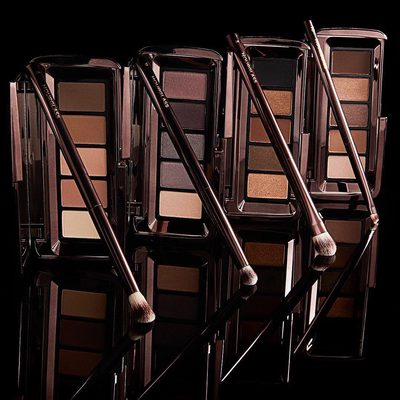 Experience endless possibilities with our #GraphikEyeshadow Palettes. Each palette is carefully curated to take any day look to night. View our Story for a step-by-step tutorial with @chanelathourglass. #crueltyfree #hourglasscosmetics