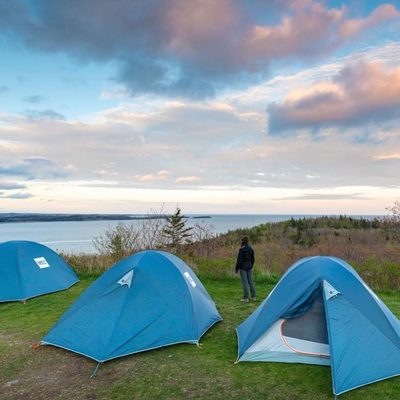 Did you know that this summer you'll be able to camp INSIDE York Redoubt National Historic Site with @parks.canada?? 😲 . 📲 Find the Learn-to Camp schedule via the link in our bio, then tap this image for more details. PLUS, read our TOP PLACES TO GO CAMPING IN THE HALIFAX REGION via the link in our bio! 🏕 #DiscoverHalifax . 📍 York Redoubt National Historic Site 📸: @acorn_art_photography via @a.foradventure
