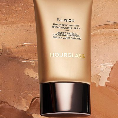 Our Illusion Hyaluronic Skin Tint is the perfect medium of a hydrating, luminous, and smoothing foundation with medium to full coverage. While the Hourglass Hyaluronan Complex plumps the skin, the infused pearlescent pigments leave a dewy and healthy complexion. Tap to shop. #crueltyfree #hourglasscosmetics
