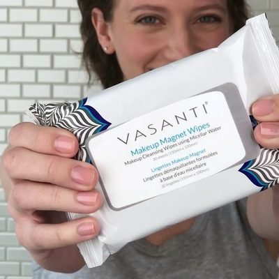 Consider these your new secret weapon for removing all of the makeup, dirt, and oil from the day. @vasanticosmetics Makeup Magnet Wipes literally act like a magnet to pull out impurities without stripping or stinging your skin.