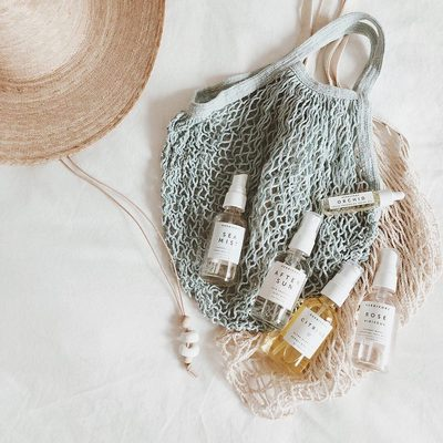 Travel buddies. Mini sizes ready to go whenever you are.☀️👒image @chelsiereimer totes by @honor_of #miniskincare #tsaapproved