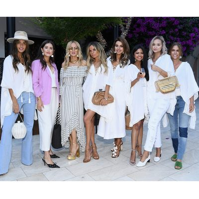 On #wcw I'm crushing on all these beautiful women who came to a most glamorous supper and overnight at one of my favorite hideaways @hotelbelair to celebrate my summer @boxofstyle! Slide to see some moments and even more in my story. Get your box at link in bio 💞XoRZ #girlsnight #womensupportingwomen