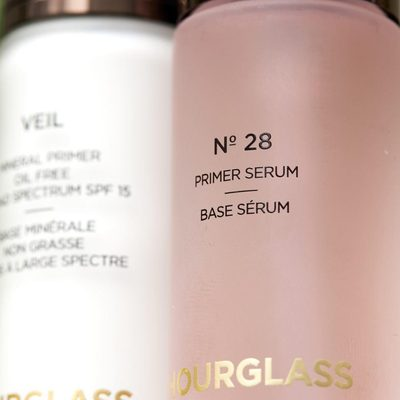 PRIMER FOCUS: Our No. 28 Primer Serum is a spa in a bottle that prepares the skin for a flawless application. It works to hydrate and nourish more dry skin types with essential oils, lipid-rich plant oils, and vitamins A, B, C, and E. For oily skin types, prep with #VeilMineralPrimer to minimize the appearance of pores, smooth texture, and control shine. #crueltyfreeluxurybeauty #vegan #hourglasscosmetics