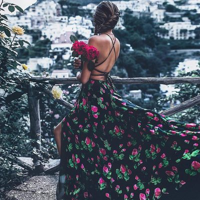 THE POWER OF THE FLOWER 🌺 Step up your summer soirée game and shop MILLY special occasion through link in bio!! 💃#wildflower #powertotheflower #summerstyle