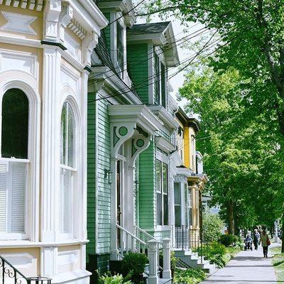 South End street views 👀🏘 #DiscoverHalifax 📷: @tessacalogaras