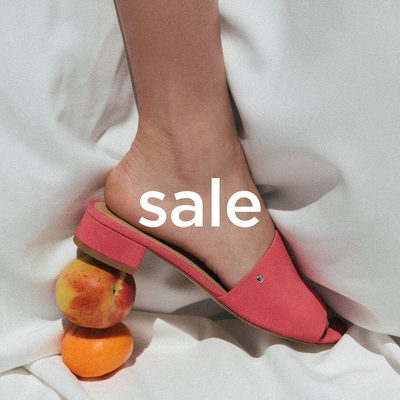 SUMMER SALE || Oh you hadn't heard? Well now you know. Get while the gettin' is good. (And it is oh-so-good.) Shown: The MANYA in RUBY. • • #linkinbio #ss18 #mattandnat #livebeautifully #materialsandnature #vegan #crueltyfree #sale #shoes #summersale