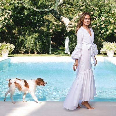 Pool day... My favorite weekend activity includes an al fresco lunch and refreshing drinks. Shop the Poolside Entertaining Edit on #AERIN.com #AERINhome