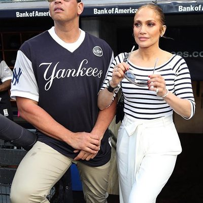 💥MAJOR MILLY MOMENT 💥 @jlo spotted in head to toe MILLY w/ her hottie @arod!!! Shop full look through link in bio 🔥#jenniferlopez #millymoment #hotAF #jlo