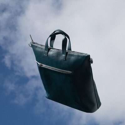 OUT OF OFFICE || Working to roam. The RONY in HORIZON. • • #linkinbio #ss18 #mattandnat #livebeautifully #materialsandnature #vegan #crueltyfree #recycled #handbags #sale #ss18sale