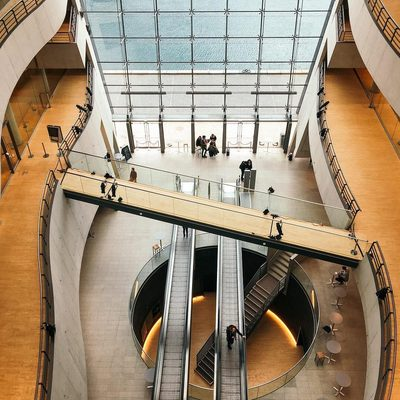 Have you ever vistited the uncrown jewel of Copenhagen, The Black Dimond. �It is without doubt Denmark's most beautiful library. �#lesdeux